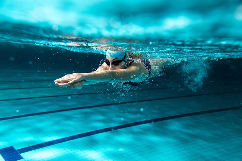 Il nuoto fa bene… ma è sempre vero?